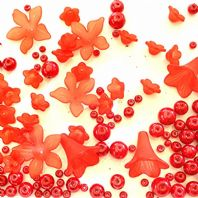 200 Assorted Red Acrylic Flower Beads & Pearls Jewellery Making
